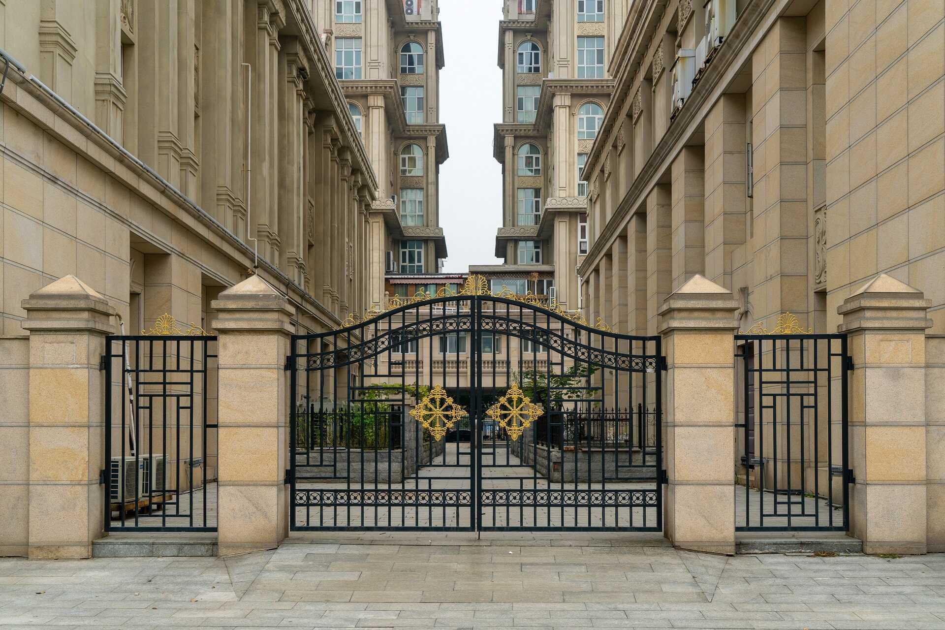 Vrata a brány Praha 8